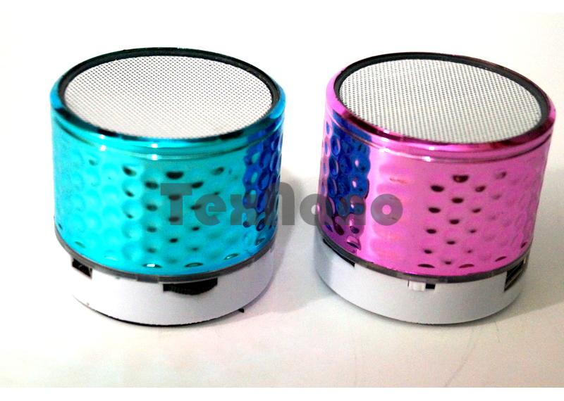 D3  Портативная колонка с FM/CD/USB/Bluetooth